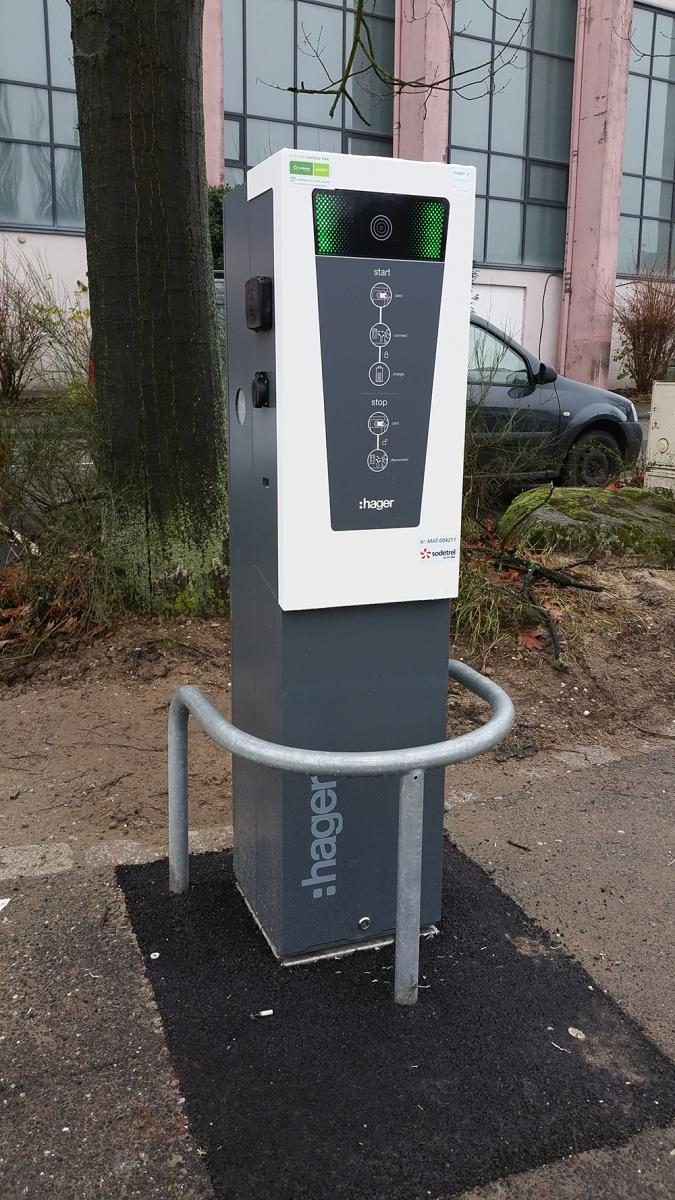 borne_recharge_parking_pecheurs